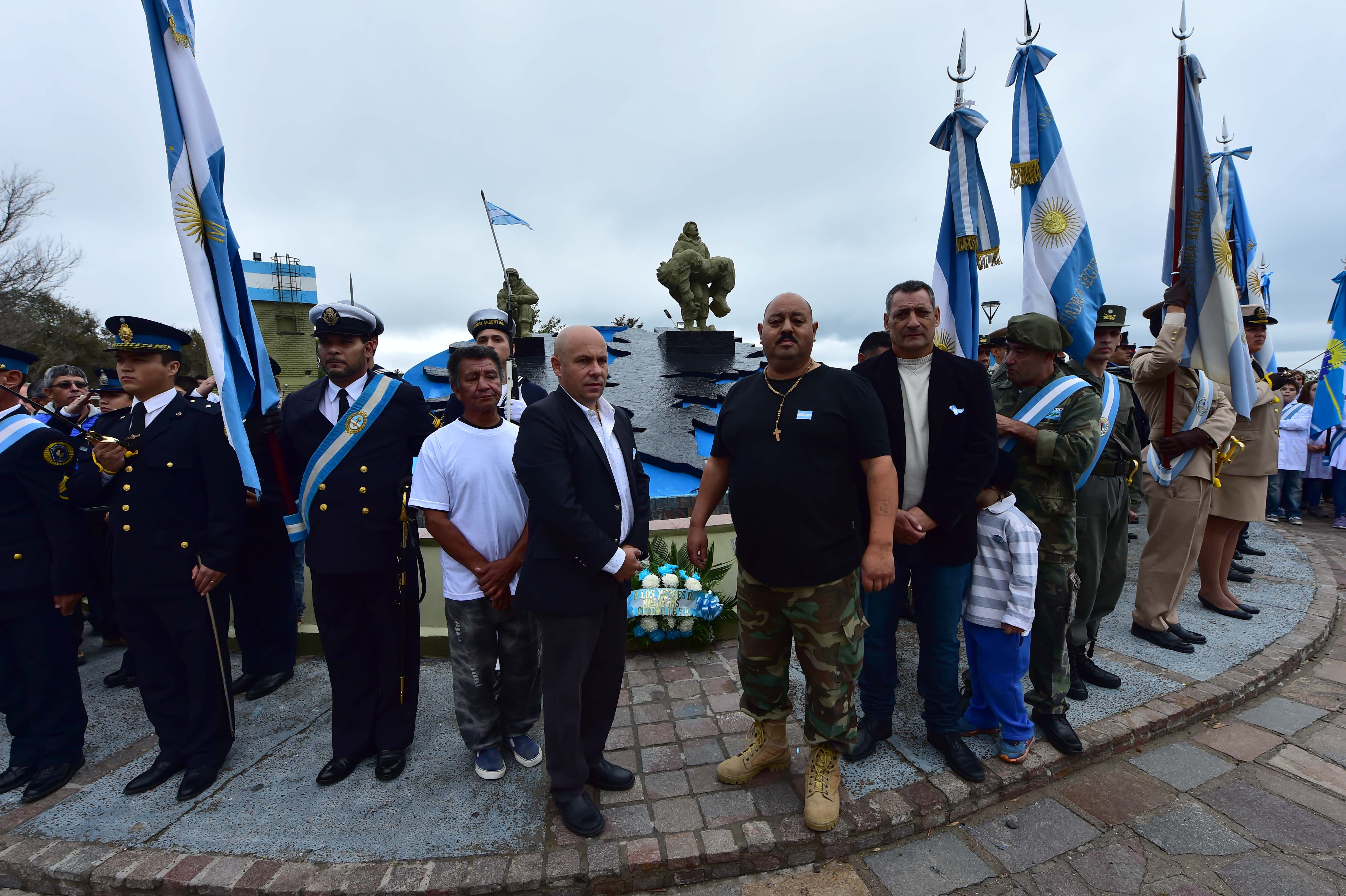 Puerto Madryn homenajeó a los Veteranos y Caídos en Malvinas