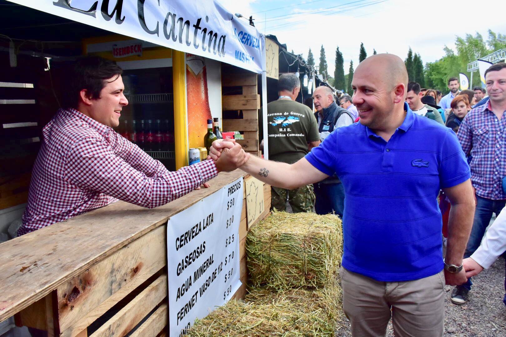 Sastre abrió una nueva edición de la Fiesta del Cordero en Madryn
