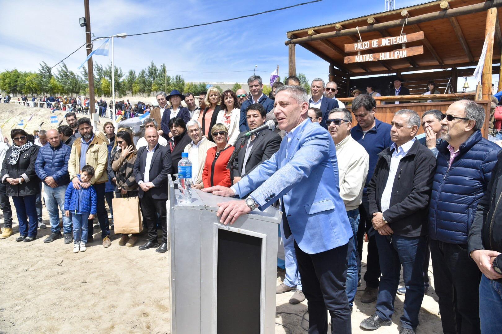 Arcioni presidió en Puerto Madryn la inauguración oficial de la XXII edición de la Fiesta Nacional del Cordero