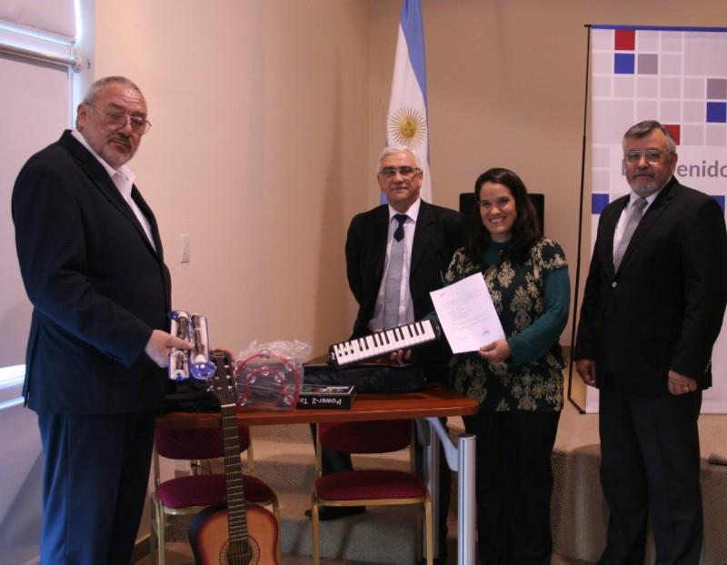 Fundación Banco del Chubut entregó instrumentos a la Escuela Hospitalaria de Rawson