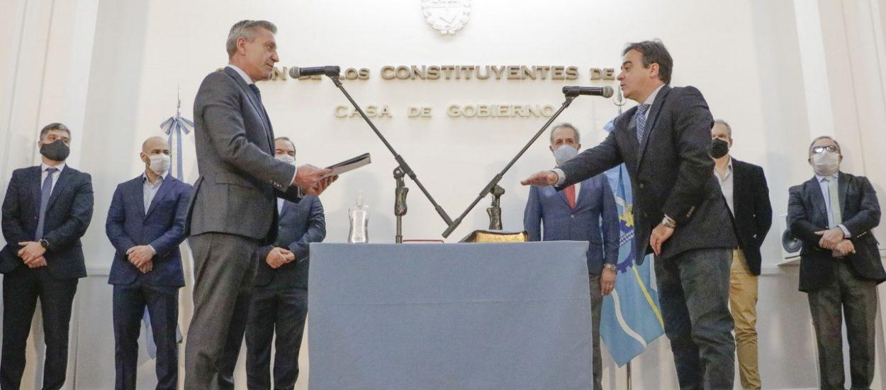 ARCIONI REVITALIZA SU GABINETE EN MEDIO DE PROTESTAS
