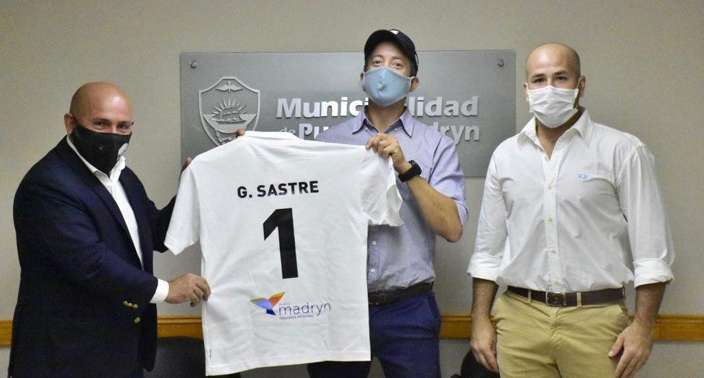 GUSTAVO SASTRE CON LOS ORGANIZADORES DEL PUERTO MADRYN BEACH POLO